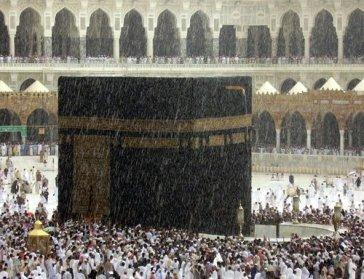 hujan di masjidil haram